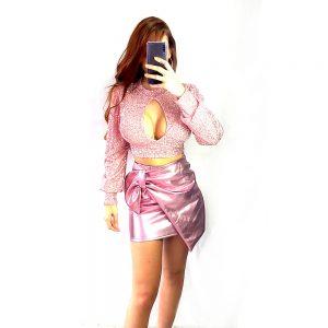 falda rosa metalizada mujer y top rosa brillo