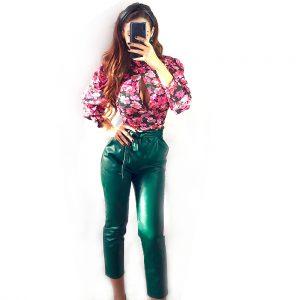 pantalon polipiel verde looks good