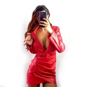 vestido cuero rojo