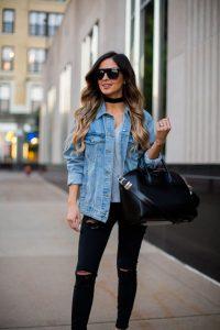chaqueta vaquera mujer con pantalones negros