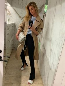 rosie huntington whiteley sandalias bottega y gabardina