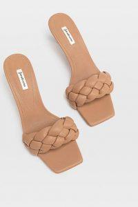 sandalias acolchadas mujer stradivarius beige