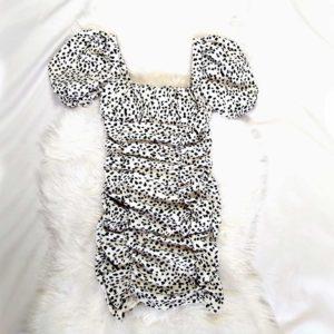 vestido fruncido blanco